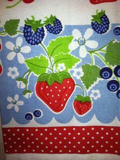 FUN Retro Look Kitchen Towel Bright Strawberries Berries ~ Vintage Style      $5.99
