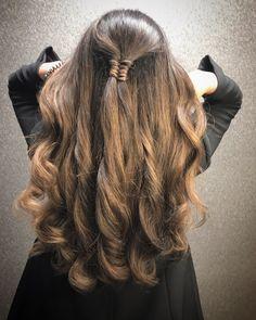 Balayage caramel color hair #balayage #balayagebrunette #brunettebalayagehair #caramel #wellacolor @kapsalonhaarvisie @asumanjamal Hair Color Caramel, Balayage Brunette, Long Hair Styles, Beauty, Long Hairstyle, Long Haircuts, Long Hair Cuts, Beauty Illustration, Long Hairstyles