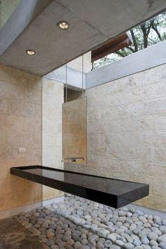 15 Amazing Bathroom Sinks to Beautify Your Bathroom Space Rustic Bathrooms, Dream Bathrooms, Amazing Bathrooms, Modern Bathroom Design, Bathroom Interior Design, Lavabo Design, Bathroom Spa, Small Bathroom, Bathroom Ideas