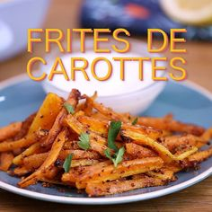 For an aperitif or in the middle of a meal, innovate with carrot fries with garlic and parmesan! For an aperitif or in the middle of a meal, innovate with carrot fries with garlic and parmesan! Healthy Breakfast Recipes, Healthy Dinner Recipes, Healthy Snacks, Vegetarian Recipes, Eating Healthy, Cooking Recipes, Tasty Videos, Healthy Recipe Videos, Food Videos