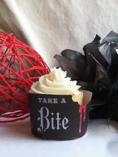 Breaking Dawn Party from-the-creative-vault Whole 30 Dessert, Twilight Book, Beautiful Cupcakes, Breaking Dawn, Fire And Ice, True Blood, Twilight Sparkle, Cute Food, Sweet Treats
