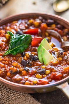 healthy vegan black bean chili recipe #glutenfree | Ricetta CHILI vegano con fagioli neri. zuppa di fagioli neri alla messicana #senzaglutine.