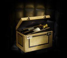 CORDIER MESTREZAT GRANDS CRUS Vend la malette de 4 bouteilles 4Box la plus chère au monde à un homme d'affaires chinois.
