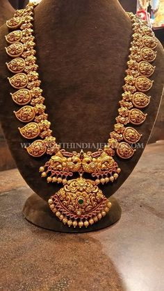 Gold Long Kemp Mango Haram Designs ~ South India Jewels When you embarked on to … Mango Mala Jewellery, Gold Temple Jewellery, Gold Jewellery Design, Gold Jewelry, Gold Necklace, Silver Earrings, Pandora Necklace, Handmade Jewellery, Gold Bangles