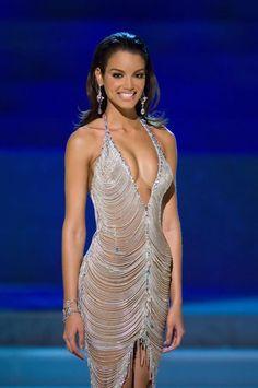 Miss Universe the Miss Universe pageant, Zuleyka Rivera of Puerto Rico. Evening Dresses For Weddings, Evening Gowns, Zuleyka Rivera Miss Universe, Miss Universe 2006, Phresh Out The Runway, Formal Wear, Formal Dresses, Haut Bikini, Metallic Dress