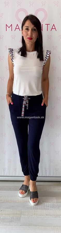 Magenta, Capri Pants, Fashion, Capri Trousers, Moda, La Mode, Fasion, Fashion Models, Trendy Fashion
