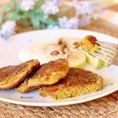 TORRIJAS SALUDABLES - FUTURRIJAS No pan, no huevo! MUCHO MÁS RICAS QUE LAS TRADICIONALES  #torrijas #torrijassanas #recetasanas Irene, Food Hacks, French Toast, Breakfast, Tips, Healthy Sweets, Healthy Food, Food Tips, Chicken Curry