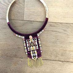 Satellite sort le grand jeu avec ce collier en velours et tissage de perles du Japon. #satelliteparis #gioielli #jewelry #bijoux #velvet #velours #love#photooftheday #collier #necklace #colorful