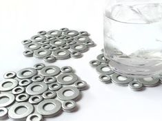 50 Crafty DIY Cup Coaster Ideas Want some cool ways to make cup coasters? These 50 DIY ideas will definitely have your friends asking where you got the coasters from. Man Crafts, Cute Crafts, Crafts To Sell, Arts And Crafts, Diy Simple, Easy Diy, Washer Crafts, Do It Yourself Inspiration, Diy Coasters
