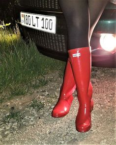 Red Hunter Boots, Red Boots, Black Leather Boots, High Heel Boots, Shoe Boots, Chelsy Davy, Wellies Rain Boots, Swat, Black Tights