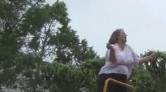"""""""Libérée... des livrets !"""" : la parodie de cette institutrice va vous faire rire ! sur Orange Actualités"""