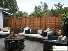Displaying unusual and Unique Fence and fence plans that complement your front or back yard. View unique fence ideas such as a beautiful Redwood. Wood Privacy Fence, Privacy Fence Designs, Outdoor Privacy, Privacy Walls, Wood Fences, Cedar Fence, Outdoor Fencing, Patio Fence, Front Fence