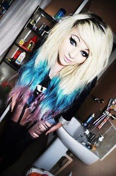 blonde w/ blue and purple tips I want something like this even though my hair is a few shades darker.and im not emo. Love Hair, Gorgeous Hair, Piercing Tattoo, Piercings, London Calling, Punk, Swagg Girl, Girl Swag, Pelo Emo