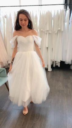 Civil Wedding Dresses, Wedding Dresses With Straps, Wedding Dress Train, Sweetheart Wedding Dress, Tulle Wedding, Princess Wedding Dresses, Bridal Dresses, Dresses To Wear To A Wedding, Short Dress Wedding
