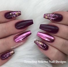 50 Eye-Catching Chrome Nails revolutionieren dein Nagelspiel - US Makeup Trends Cute Nail Designs, Acrylic Nail Designs, Chrome Nails Designs, Maroon Nail Designs, Bright Nail Designs, Bright Nail Art, Colorful Nail, Bright Toe Nails, Rhinestone Nail Designs