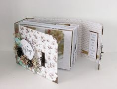 Wedding minialbum with Papirdesign's Bryllupsfest collection. A perfect and personal wedding gift. Created by Kirsten Hyde. Personalized Wedding Gifts, Mini Albums, Decorative Boxes, Invitations, Hyde, Create, Collection, Hobbies, Custom Wedding Gifts