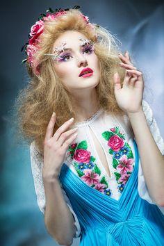 """Вечірня сукня з вишивкою """"КОРОЛЕВА ПОВІТРЯ"""", фото 2"""