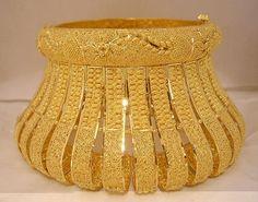 Designer Collection of Bridal Gold Bangles Thread Bangles Design, Gold Bangles Design, Thread Jewellery, Arabic Jewelry, Gold Jewelry, Gold Necklace, Indian Wedding Jewelry, Indian Jewelry, Indian Jewellery Design