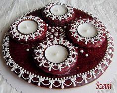 Édes-mézes világom...: Adventi koszorúk pirosban-fehérben