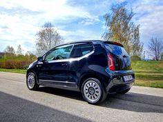 [VW black up!] Mit dem up! möchte VW auch in der Kleinstwagenklasse an die Spitze der Verkaufszahlen vordringen. Wir haben den kleinen VW in einem Test näher unter die Lupe genommen. #vw #up #up!