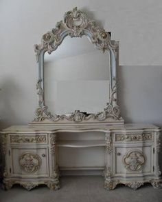 $1,200 French Provincial Victorian Classic Makeup Vanity Table with Mirror