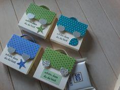 Ja...jetzt sind wieder die Einschulungen !  In den letzte Wochen habe ich von diesen kleinen Ritter Sport mini Verpackungen 62 Stück produz...