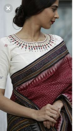 Cotton Silk sarees: free COD WhatsApp Source by pabitrachanu saree Sari Blouse Designs, Fancy Blouse Designs, Sari Bluse, Indische Sarees, Modern Saree, Stylish Sarees, Elegant Saree, Saree Styles, Indian Designer Wear