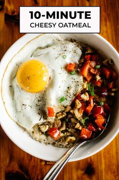 17 Fried Egg Recipes That Are Anything But Boring: Savory Oatmeal with Cheddar and Fried Egg Healthy Fast Food Breakfast, Healthy Snacks, Healthy Eating, Healthy Recipes, Healthy Breakfasts, Oats Snacks, Fried Egg Recipes, Cooking Recipes, Pasta Recipes