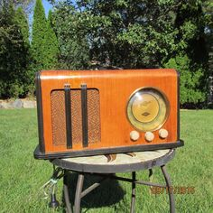 Vintage Stewart Warner Radio For Parts Or Repair Model