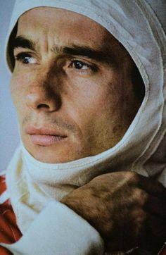 Ayrton Senna - Como não lembra dele hoje (1º de Maio); muito cedo nos deixou, isso tem 22 anos. Um verdadeiro ídolo.