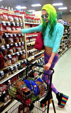 50 Weird People And Weirdest People Of Walmart Are Funny People – The Funny – fashion fail Funny Walmart Pictures, Walmart Funny, Funny People Pictures, Go To Walmart, Only At Walmart, Funny Images, Funny Photos, Walmart Photos, Fashion Fail