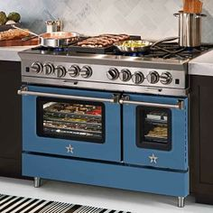 Discover chef-inspired kitchen appliances handcrafted for professional-grade results. Create your custom kitchen with BlueStar ranges & refrigerators. Kitchen Stove, Kitchen And Bath, New Kitchen, Kitchen Appliances, Kitchen Ideas, Kitchen Decor, Kitchen Supplies, Updated Kitchen, Kitchen Designs