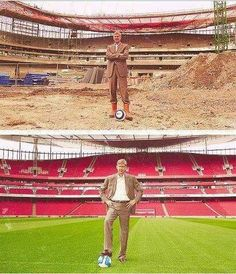 Arsene Wenger in our new home Arsenal Football, Football Stadiums, Football Soccer, Arsenal Club, Arsenal Fc, Arsenal Pictures, Arsenal Wallpapers, Frames, Arquitetura