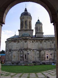 Manastirea Dealu Romania, Notre Dame, Chile, Building, Travel, Voyage, Buildings, Chilis, Viajes
