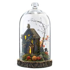Department 56 Halloween Display Under Glass Cloche - Perfection for a small display. Portable and versatile. We are already contemplating what Christmas accessories to arrange within, after Halloween! Halloween Cloche, Halloween Items, Halloween Projects, Halloween Cat, Halloween House, Holidays Halloween, Vintage Halloween, Department 56, Halloween Village Display
