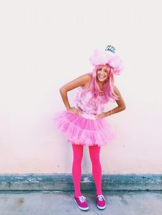 DIY Halloween cotton candy costume - Piper L. Candy Costumes, Tutu Costumes, Costume Ideas, Grease Costumes, Food Costumes, Costumes Kids, Classic Halloween Costumes, Halloween Costume Contest, Cotton Candy Halloween Costume
