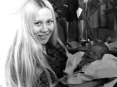 """Agnetha did not want to be away from his daughter during a long period of time. After winning the """"Waterloo"""" Agnetha said in one of the interviews: """"I enjoy writing music. I prefer writing that is performing. Much better I'm glad their creations. Performing not so important to me, but of course we have to do for the group. Everything has its time. I don't think that is going to be implemented, and travel all over the world in my life. This is impossible if you want to have a family life…"""