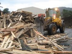 Wood or timber can be recycled if it is not contaminated. Get the best industrial timber waste recycling company of Adelaide area in South Australia. Waste Management Recycling, Waste Management Services, Types Of Waste, Recycling Process, Recycling Facility, Waste Disposal, Recycled Bottles, Recycled Wood