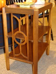 Cool art deco side table in mahogany.