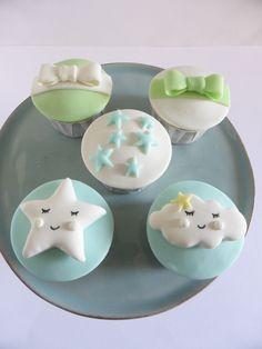 Cupcakes para batizado de menino - Nuvens e Estrelas
