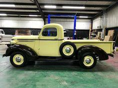 old trucks chevy American Pickup Trucks, Vintage Pickup Trucks, Classic Pickup Trucks, Antique Trucks, New Trucks, Custom Trucks, Cool Trucks, Vintage Cars, Chevy Truck Models