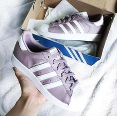 adidas Originals Superstar in mauve white/ lila weiß // Foto: yourstrulyjen |Instagram