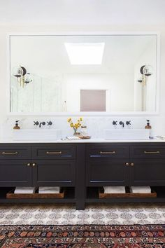 A Bright, Airy (and Blue!) California Home#airy #blue #bright #california #home Black Bathroom Furniture, Black Vanity Bathroom, Bathroom Floor Tiles, Bathroom Rugs, Master Bathroom, Modern Vintage Bathroom, Amber Interiors, The Design Files, Floor Patterns