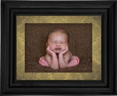 Newborn Photography – How to Create the Head in Hands Pose