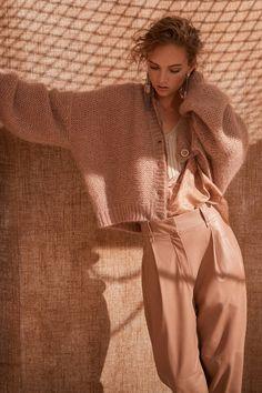 Brunello Cucinelli Milano - Spring Summer 2020 Ready-To-Wear - Shows - Vogue. Knitwear Fashion, Knit Fashion, Look Fashion, Spring Fashion, Fashion Show, Winter Fashion, Fashion Outfits, Fashion Art, 2020 Fashion Trends