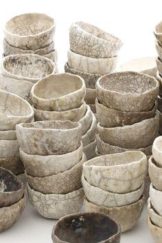 Best Ceramics Tips : – Picture : – Description Marika Akilova, White Raku Bowls -Read More – Ceramic Clay, Ceramic Bowls, Stoneware, Earthenware, Raku Pottery, Pottery Bowls, Wabi Sabi, Ceramica Artistica Ideas, Pinch Pots