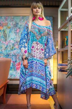 LYLA ROSE - SHORT KAFTAN Kaftans, Fashion Labels, Shades Of Blue, Print Design, Curves, Cover Up, Feminine, Bohemian, Comfy