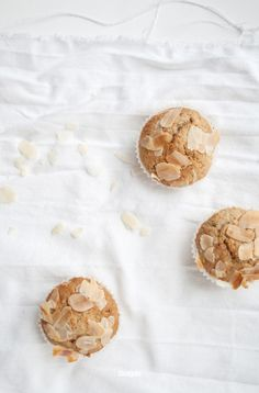 hazelnut almond muffins with coffee cream