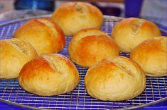 http://www.chefkoch.de/rezepte/560631154095807/Buttermilchbroetchen.html