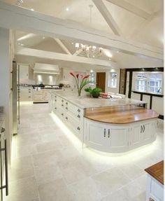 Kitchen design ideas for your stylish kitchen - White Kitchen Remodel Style At Home, Luxury Kitchens, Cool Kitchens, Dream Kitchens, White Kitchens, Kitchens With Islands, Modern Kitchens, Home Decor Kitchen, Kitchen Interior